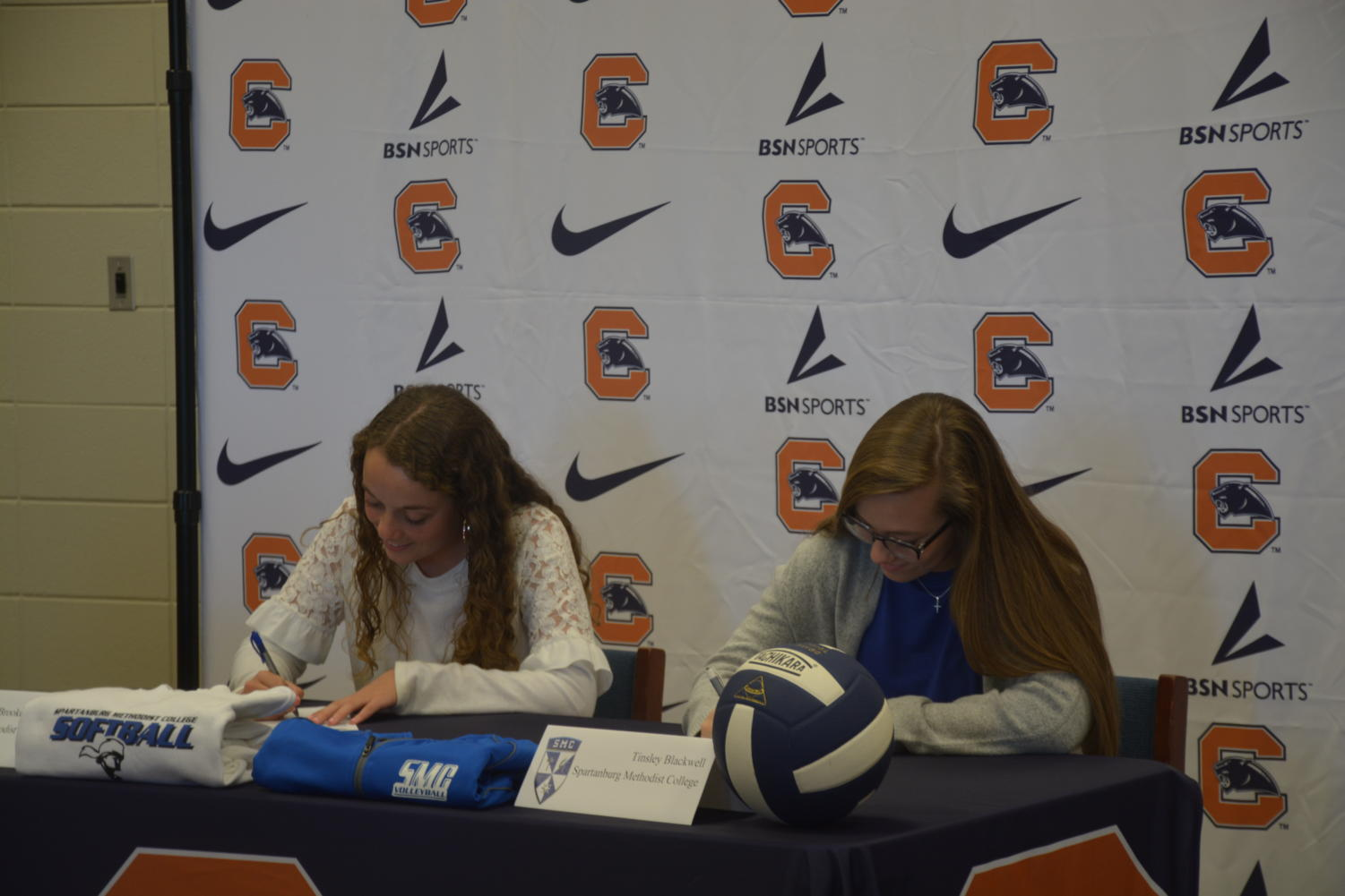 Tinsley Blackwell and Brooke Scruggs signing to SMC