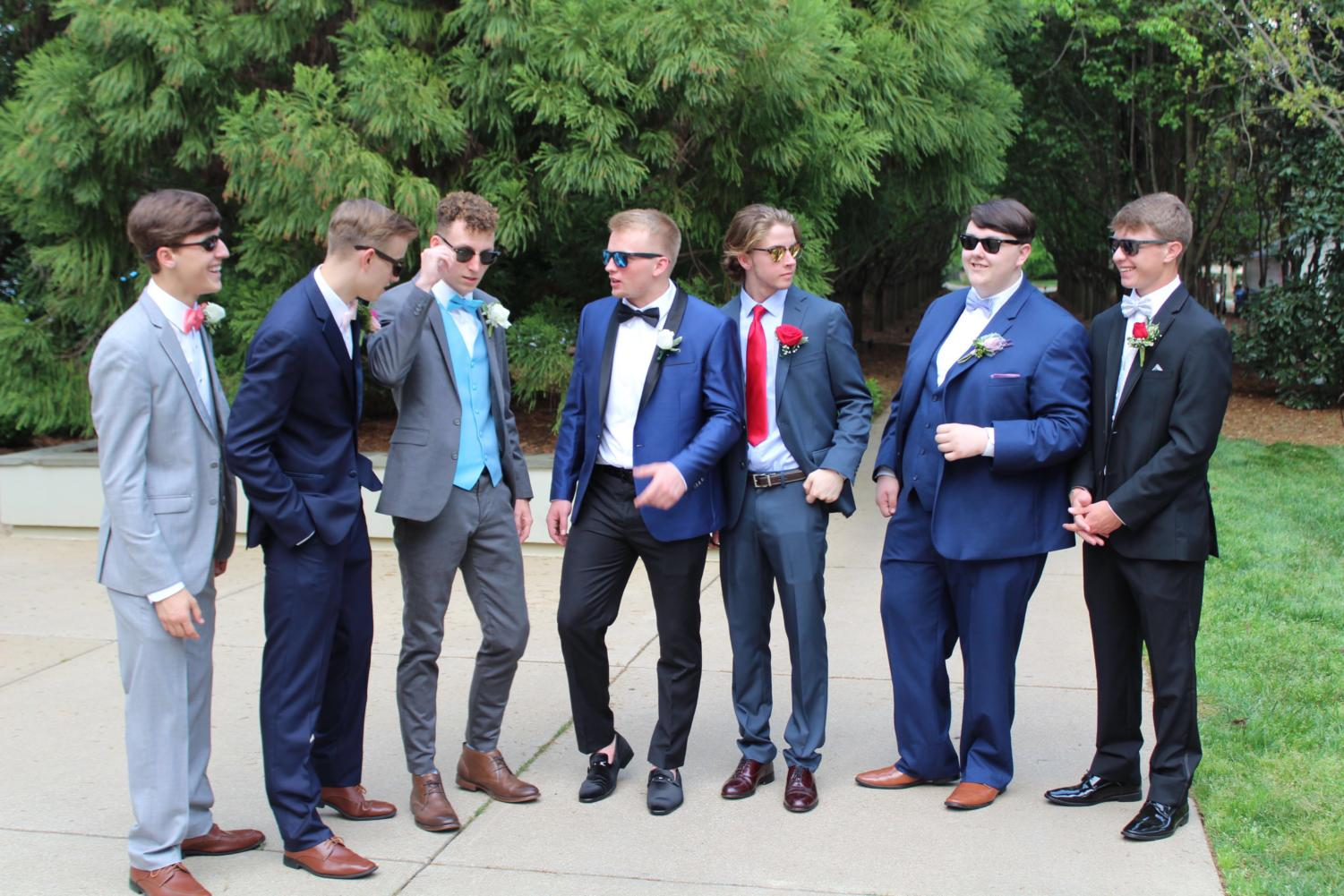 Junior Chase Cole and sophomore Ethan Holcombe with seniors Bailey Sumner, Chad Smith, Thomas Grigg, Eason Atkins, Jackson Hall