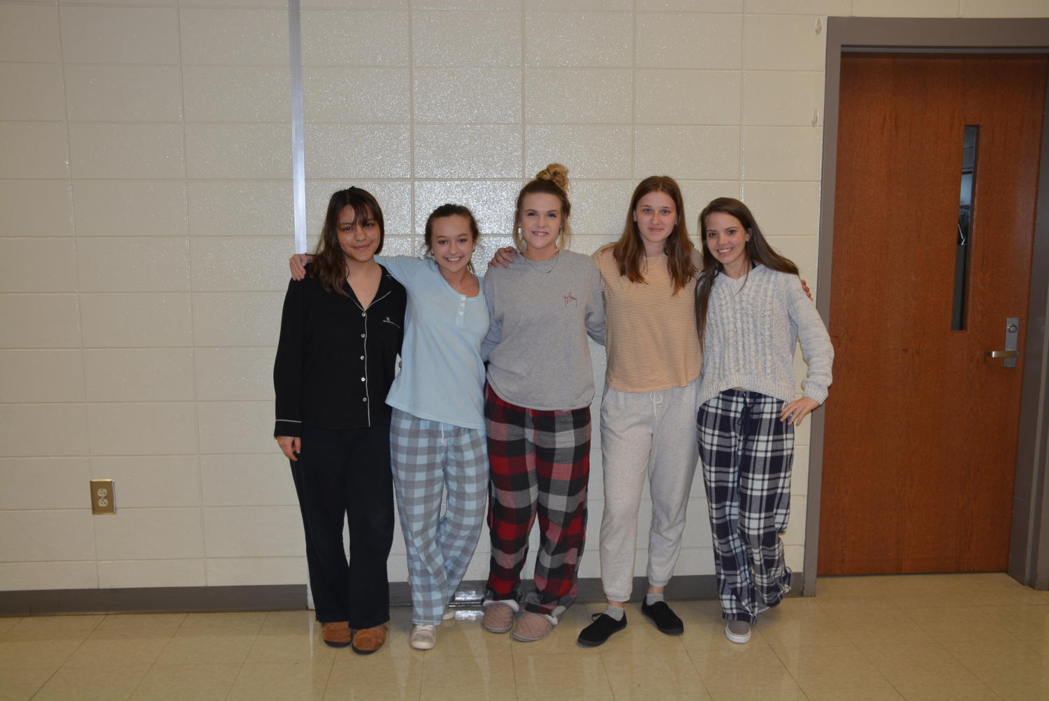 Students+dressed+up+for+pajama+day+