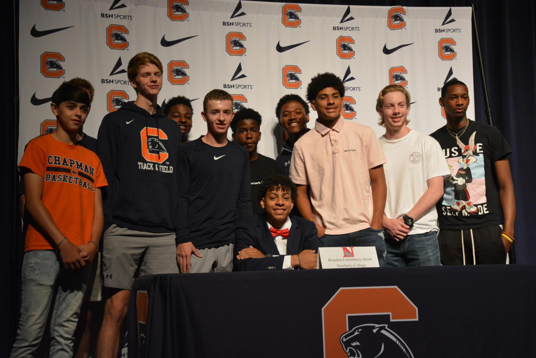 Fortenberry-Smith+with+fellow+basketball+teammates.+