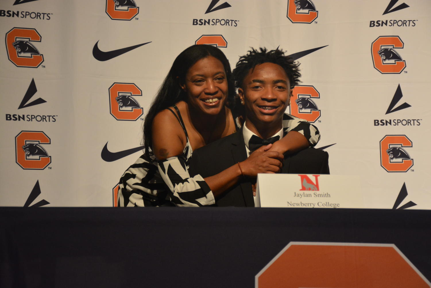 Smith+shares+a+photo+with+his+mom.+