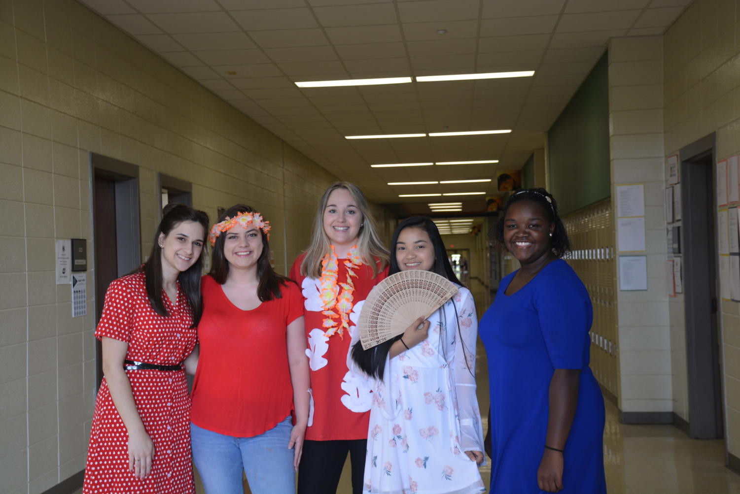 Students+in+journalism+and+newspaper+dressed+up+for+Disney+Day