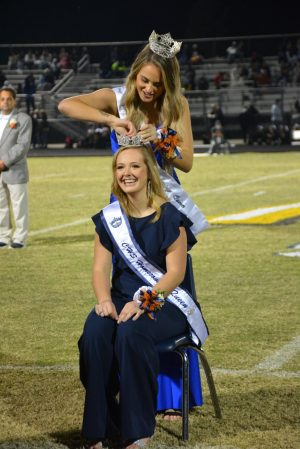 2020 CHS Homecoming Queen Jenna Moss being crowned.